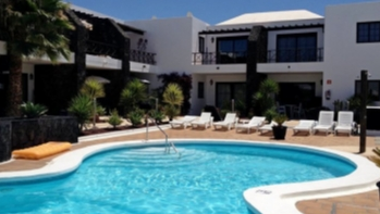 Lovely 2 bedroom apartment with private terrace in Puerto del Carmen