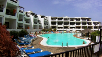 Beautifully Refurbished 1 Bedroom Apartment in Playa Bastian!
