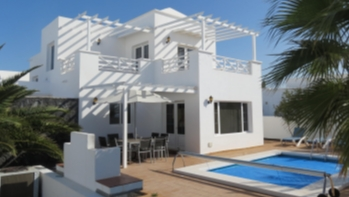 Stunning 4 bedroom villa with private pool for sale in Puerto Calero