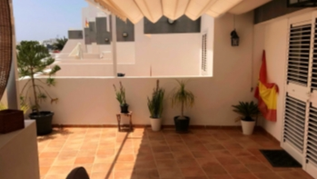 Impressive 3 bedroom family home a short walk from Playa Bastian