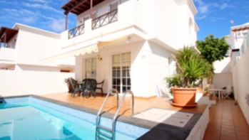 Fantastic opportunity! 3 Bedroom villa with private pool in Puerto Del Carmen
