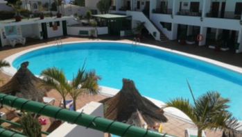Apartment on well maintained complex with communal pool in Puerto del Carmen