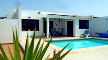 Well located 3 bedroom semi-detached villa  for sale in Playa Blanca