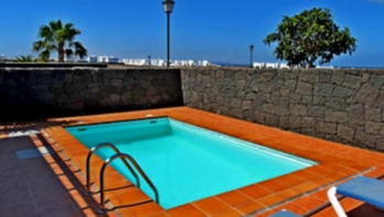 Lovely 3 bedroom 2 bathroom house with private pool in Playa Blanca