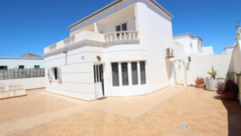 4 Bedroom detached house for sale in the centre of Tias