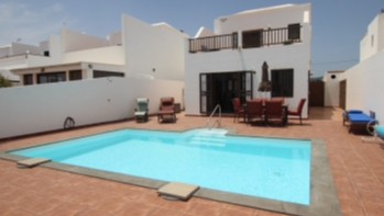 4 Bedroom house with private pool for sale in Guime village