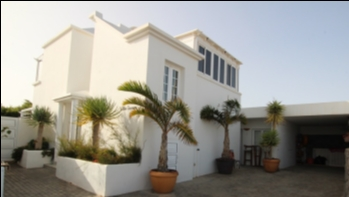Beautiful Villa with a private pool and a separate 1 bedroom apartment