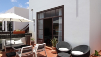 Beautiful 2 bedroom house with spectacular views for sale in Puerto Calero