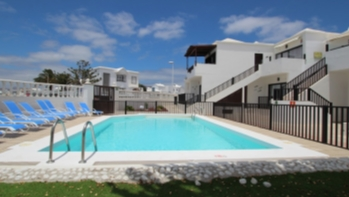 1 Bedroom top floor apartment with communal pool in Puerto del Carmen