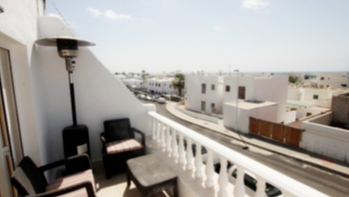Spacious 2 bedroom 2 bathroom apartment in central Puerto Del Carmen