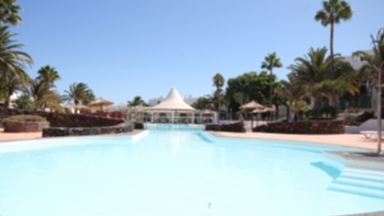Recently refurbished frontline studio apartment in Costa Teguise