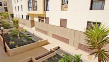 3 Bedroom 2 bathroom apartment conveniently located for sale in Arrecife