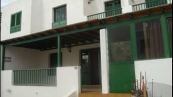 2 Bedroom duplex in a quiet complex in Playa Blanca