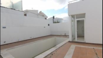 Detached villa with private pool in Puerto del Carmen