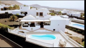 Stunning 4 Bedroom detached villa with private Pool in Tias
