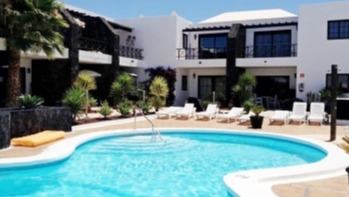 2 Bedroom 2 bathroom apartment situated in gated complex in Puerto Del Carmen