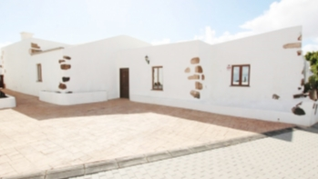 Traditional Canarian 4 bedroom detached house for sale in Tias
