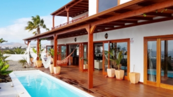 Stunning 4 bedroom detached villa with impeccable views in Puerto del Carmen