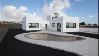 NEW BUILD! Villa with private Pool next to the Golf Course in Costa Teguise