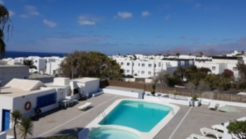 Fully refurbished 1 bedroom apartment with communal pool in Puerto del Carmen