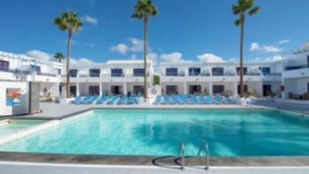 2 Bedroom 2 bathroom apartments with communal pool in Puerto del Carmen