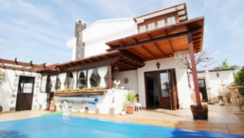Stunning 3 bedroom detached villa with private salt water pool in Puerto del Carmen