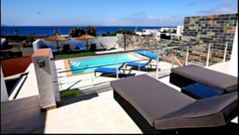 Luxury 4 bedroom villa with fantastic sea views in Playa Blanca