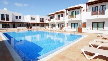 2 Bedroom 2 bathroom modern duplex for sale in Puerto Calero