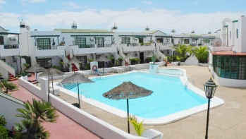 Lovely one bedroom top floor apartment for sale in Matagorda