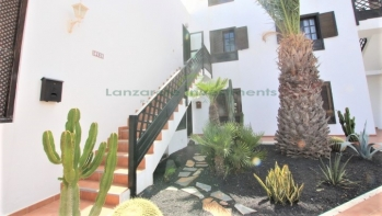Lovely ground floor apartment on a quiet residential complex of Costa Teguise