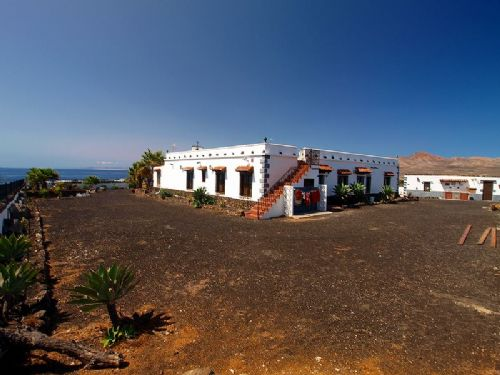 5 bedroom villa in between Puerto Calero and Macher for sale with pool and sea views