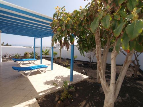 Spacious 5 bedroom villa with sea views, Guime