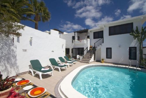 4 bedroom villa with pool in Puerto del Carmen