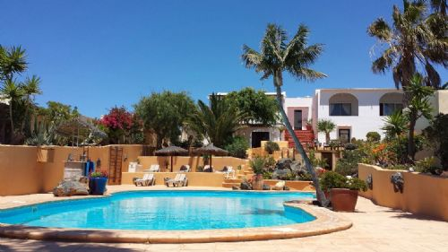 Beautiful large 7 bedroom villa with pool in Tias