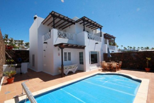 3 bedroom villa with sea views, pool Risco Prieto