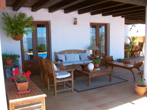 Beautiful villa with pool for sale in Conil