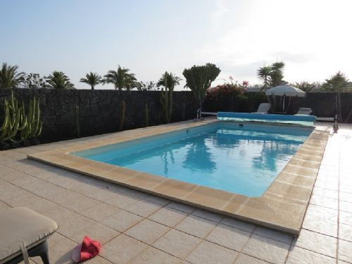 Luxury 4 bedroom villa, Playa Blanca for sale