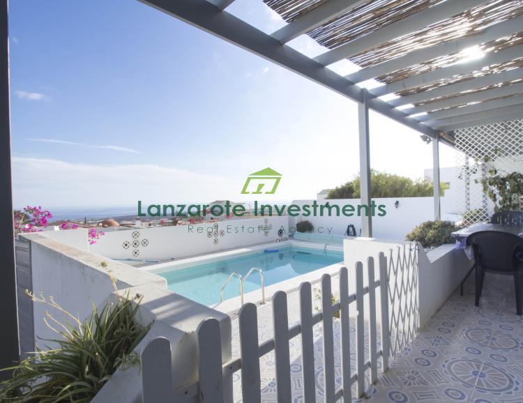 6 Bedroom Villa with Sea Views in the village of Guime