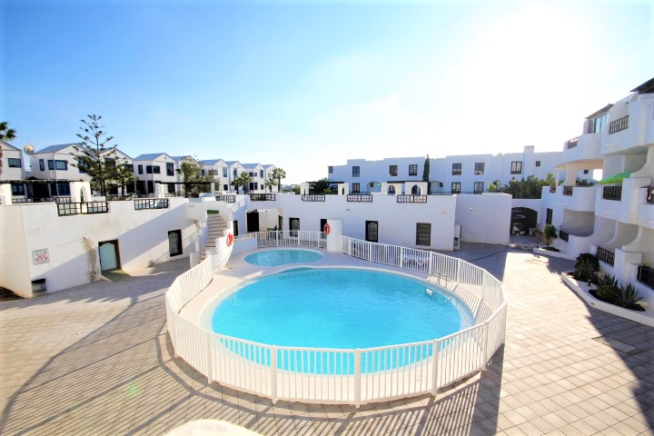 Bright 1 bedroom apartment next to Playa Bastian for sale in Costa Teguise