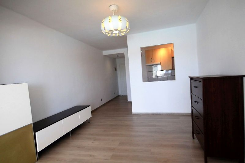 Great Opportunity! 1 Bedroom Apartment with Sea Views