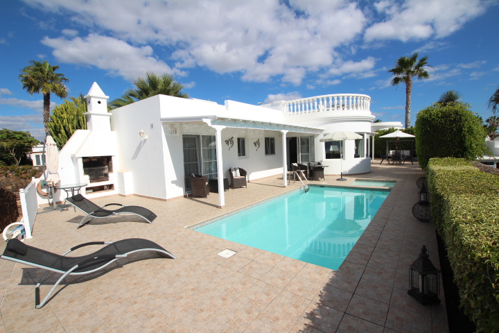 Beautiful villa situated in the exclusive area of Risco Prieto in Puerto del Carmen