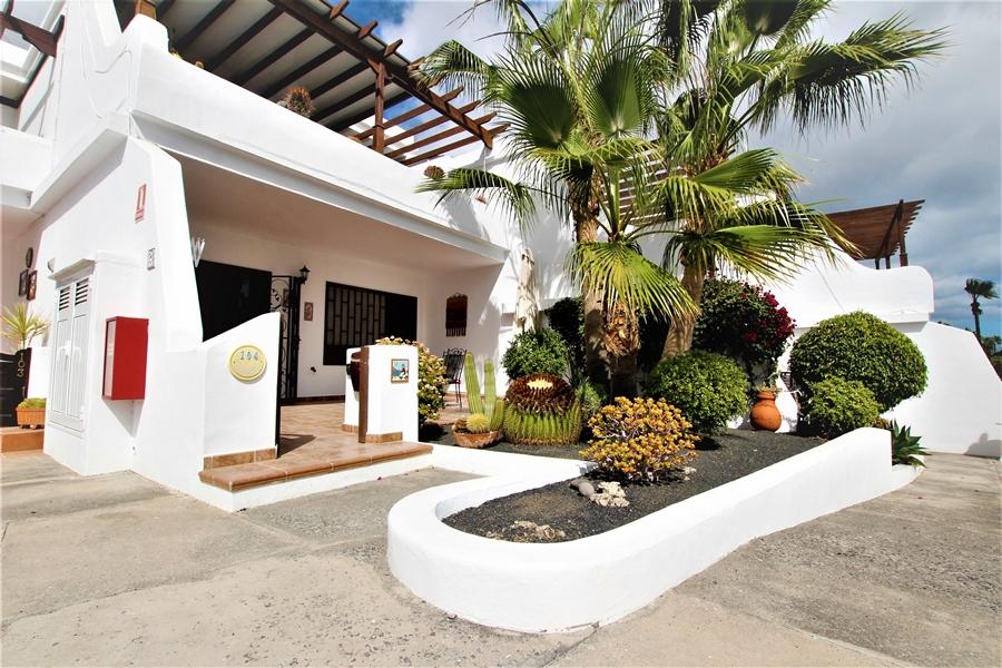 Spacious ground floor 2 bedroom 2 bathroom apartment in Puerto del Carmen