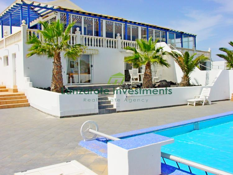 Luxury Villa with Separate Apartment for Sale in Playa Blanca