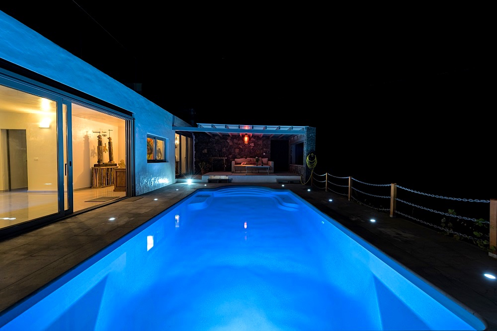 Luxury 6 Bedroom Villa with private pool and sea views in Tabayesco