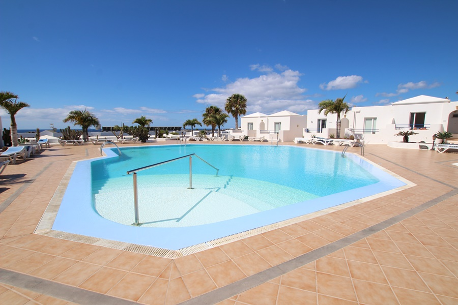 1 Bedroom ground floor apartment with sea views in Matagorda