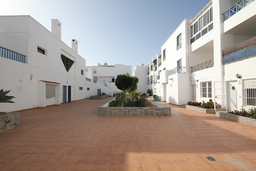 One bedroom apartment for sale in a great central location in Costa Teguise