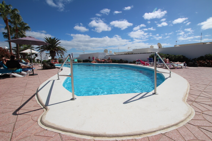 2 Bedroom terraced apartment in an ideal position in Puerto Del Carmen