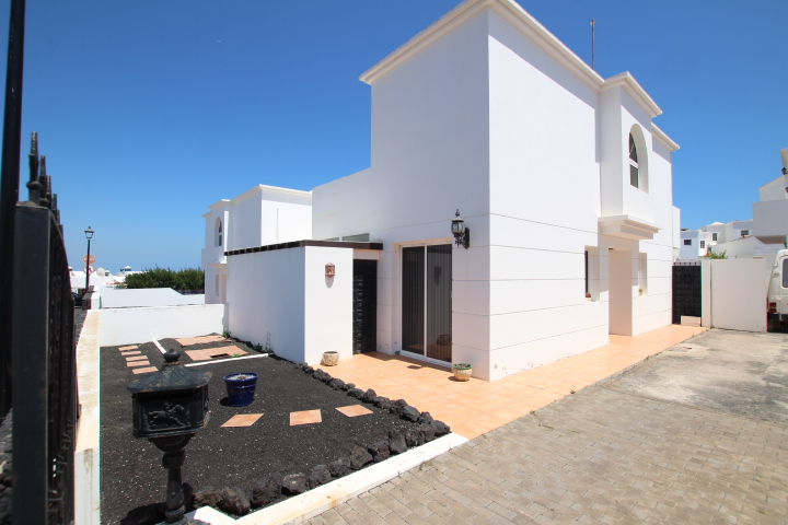 3 bedroom 3 bathroom detached house for sale in central Tias