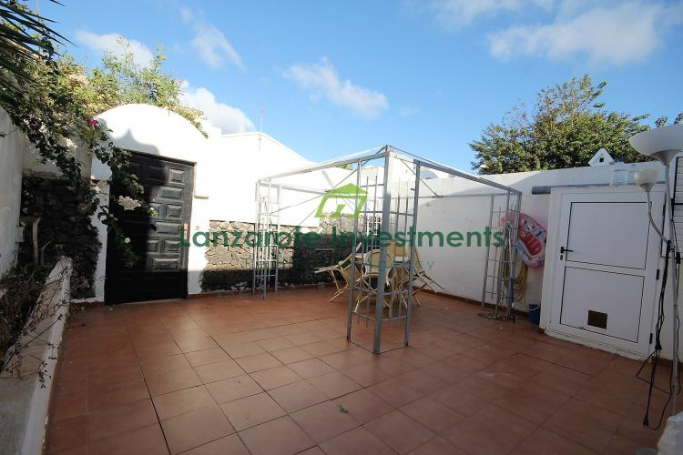 2 Bedroom House for sale in Puerto del Carmen