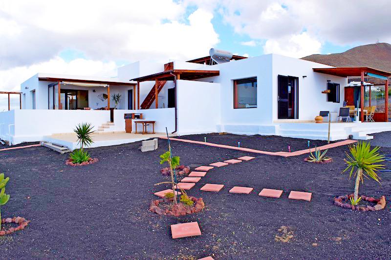 Recently built detached villa with panoramic sea views in Las Breñas